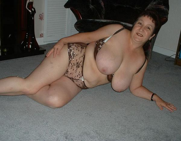 Hot nude cheerleader centerfolds